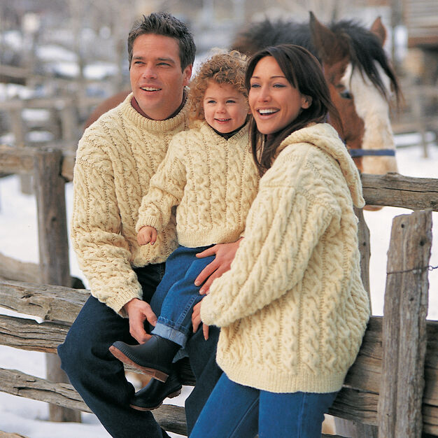Patons Family Cables, Crew Neck - S