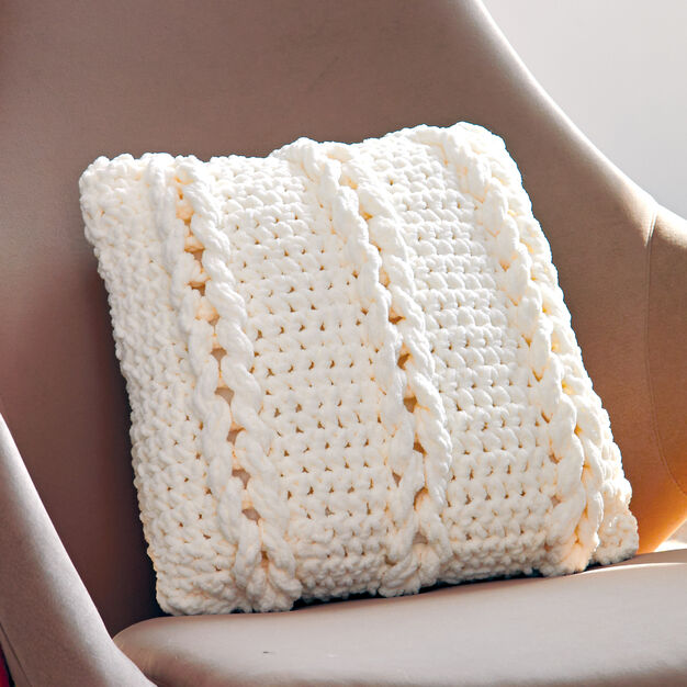 Bernat Chain Links Pillow