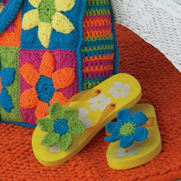 Bernat Flip Flop Flowers in color