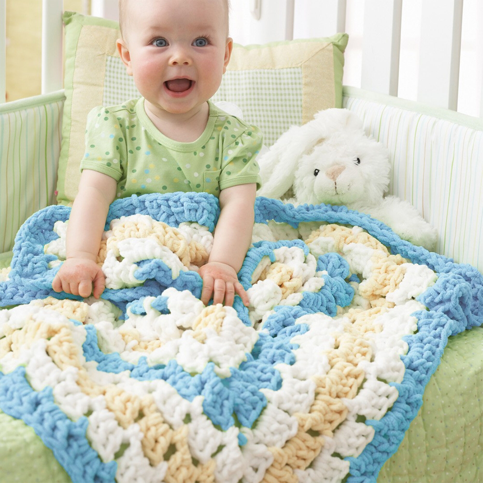 Bernat From the Middle Baby Blanket Pattern | Yarnspirations