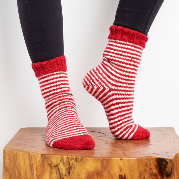 Patons Fireside Knit Socks, Size 5/6 in color
