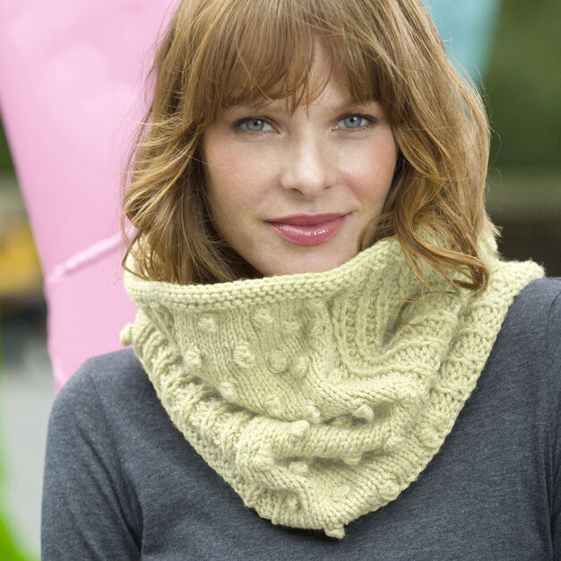 Red Heart Bobbled Cowl in color