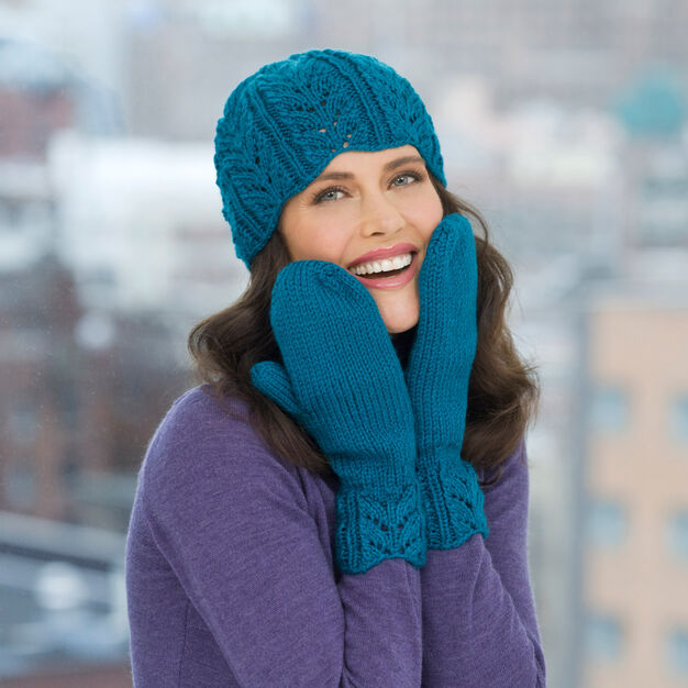 Red Heart Lacy Leaf Hat & Mittens in color