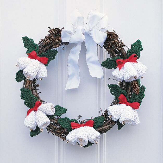 Lily Sugar'n Cream Seasons Greetings Wreath