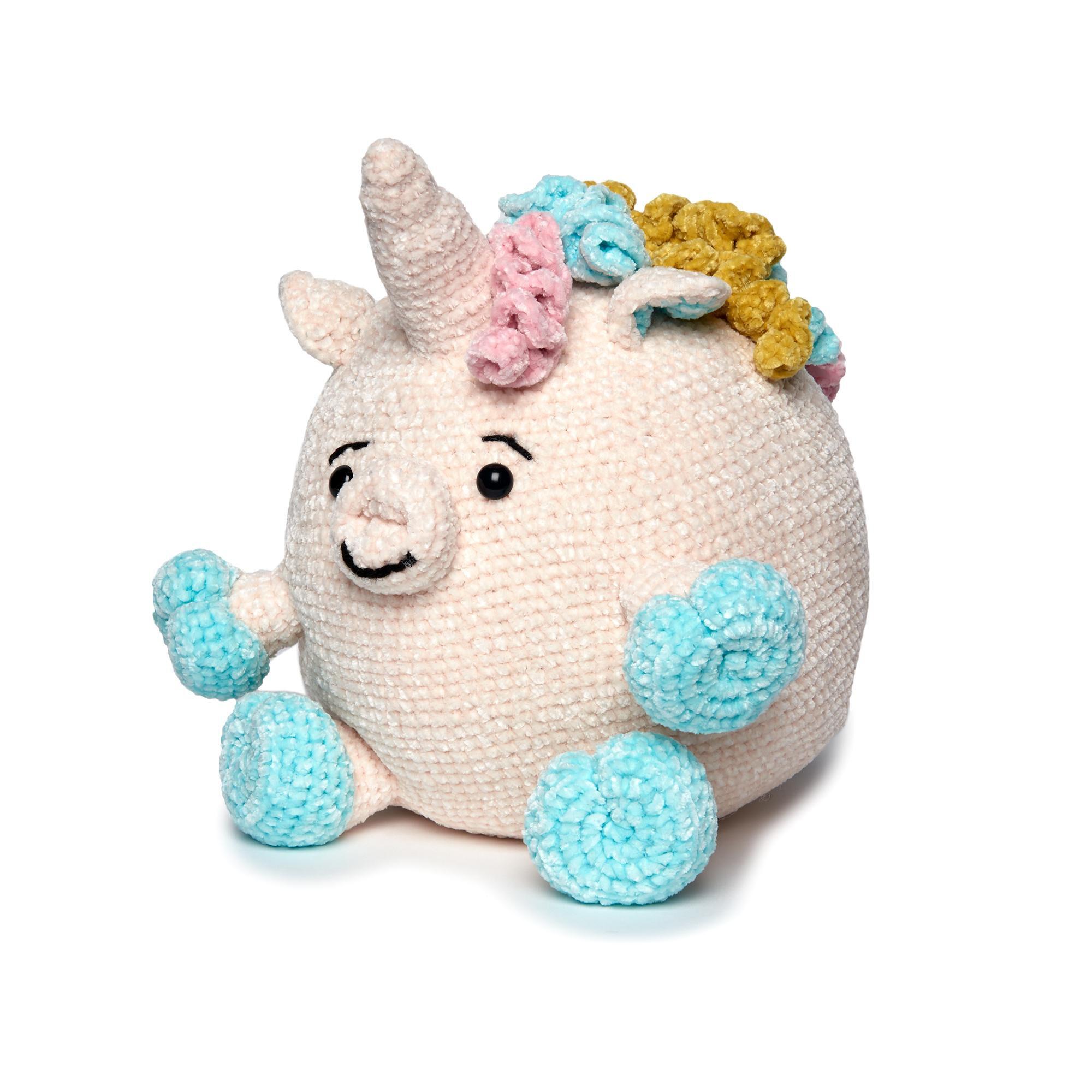 Easy Velvet Infinity Scarf Crochet Pattern | Hooked on Homemade ... | 2000x2000