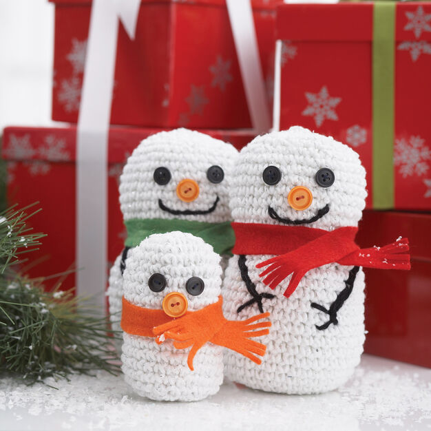 Bernat Snowman Family, Small in color