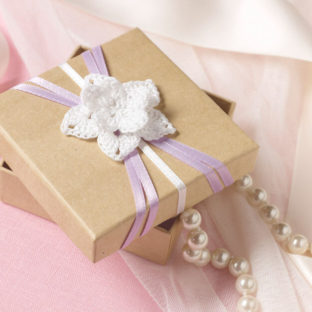 Aunt Lydia's Flowered Wedding Favor Box in color