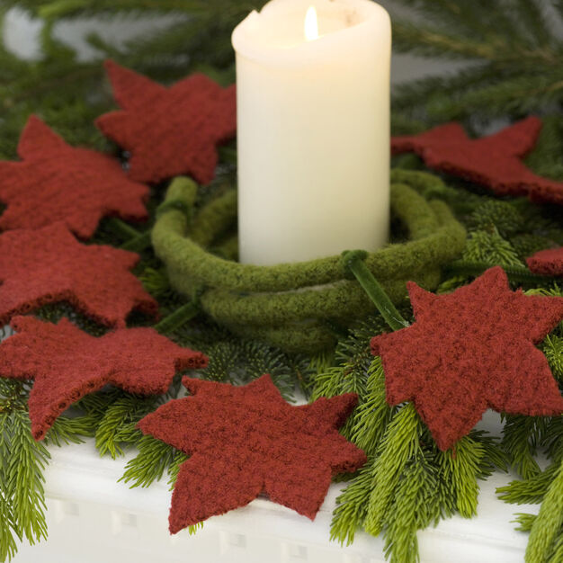 Red Heart Felted Leaves Garland