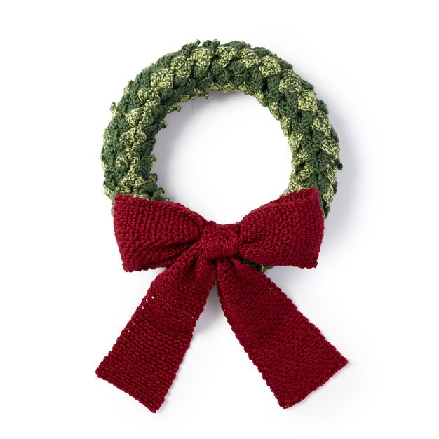Caron Layered Leaves Wreath in color