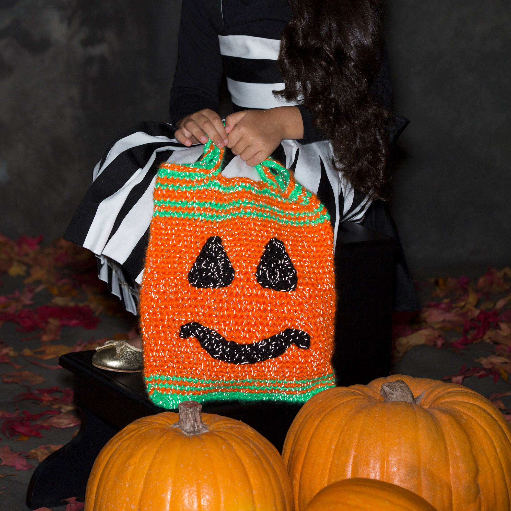 RED HEART PUMPKIN FACE BAG