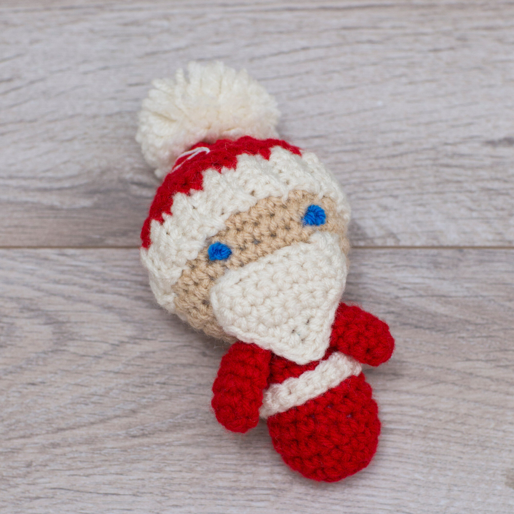 Ravelry: Amigurumi Santa Hat pattern by June Gilbank | 2000x2000
