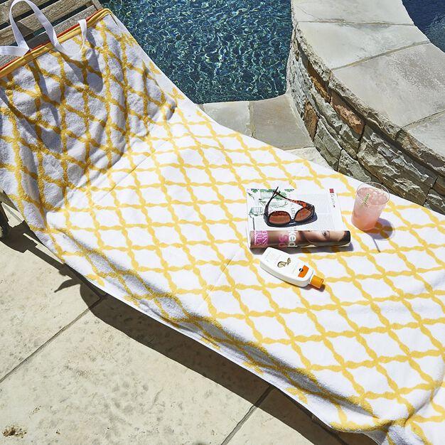 Coats & Clark Convertible Beach Towel in color