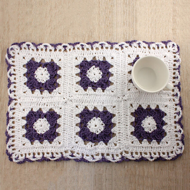 Lily Sugar'n Cream Lacy Flower Placemat in color