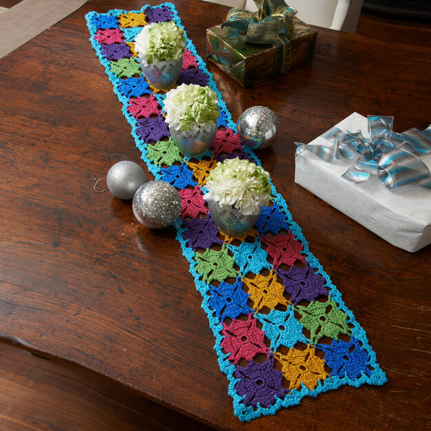 Red Heart Holiday Party Table Runner in color