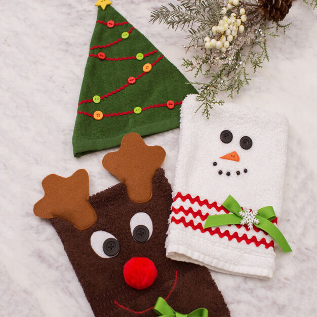Dual Duty Christmas Character Bath Mitts in color
