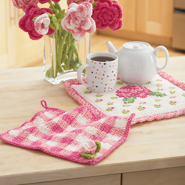 Lily Sugar'n Cream Rose Pot Holder and Dishcloth , Dishcloth in color