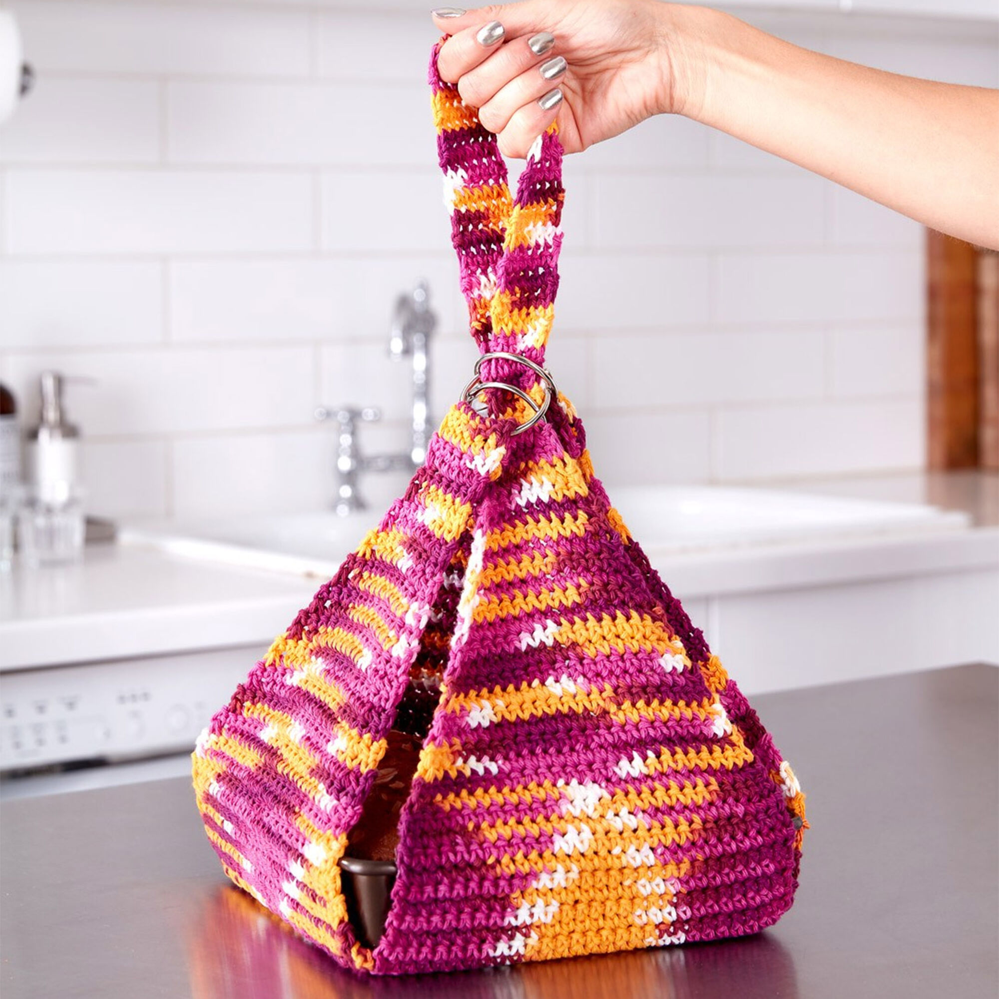Lily Sugar'n Cream Casserole Carrier to Crochet | Yarnspirations