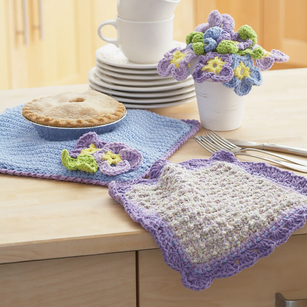 Lily Sugar'n Cream Dishcloth and Pansy Pot Holder in color