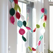 Lily Sugar'n Cream Festive Garland