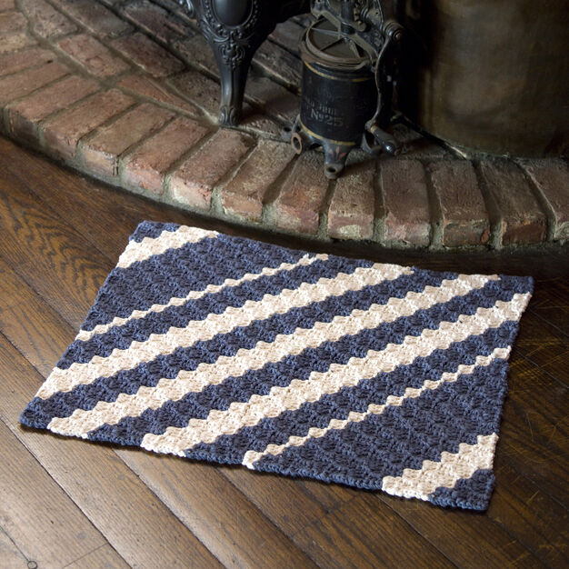 Red Heart Diagonal Rug in color