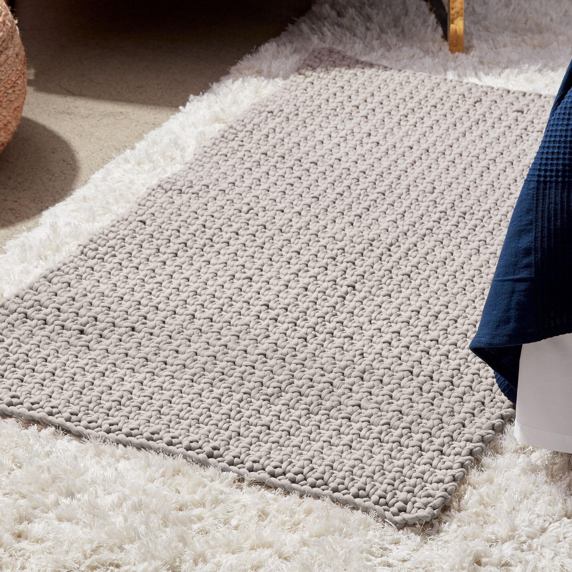 Bernat Cozy Toesies Crochet Rug Pattern