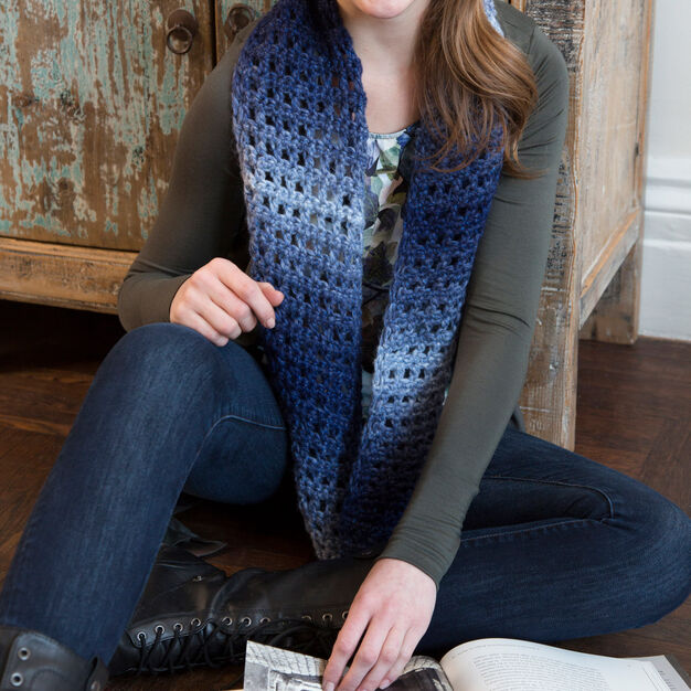 Red Heart Jeans Worthy Cowl in color