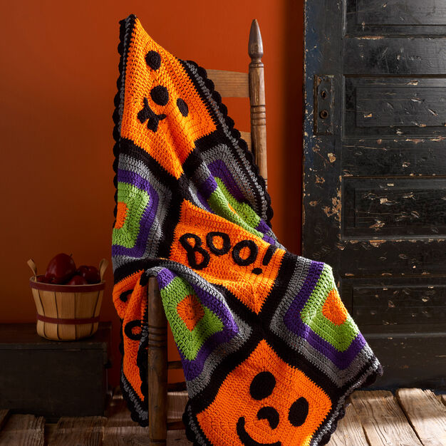 Red Heart Pumpkin Face Throw