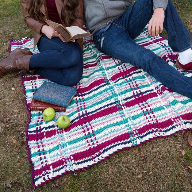 Red Heart Plaid Picnic Throw