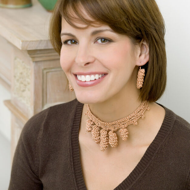 Aunt Lydia's Curlicue Necklace & Earrings, S in color