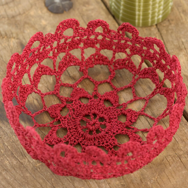 Aunt Lydia's Filigree Bowl in color