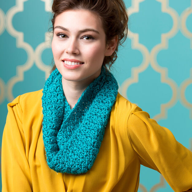 Red Heart Puff Stitch Cowl in color