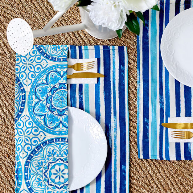 Coats & Clark Pocket Placemats in color
