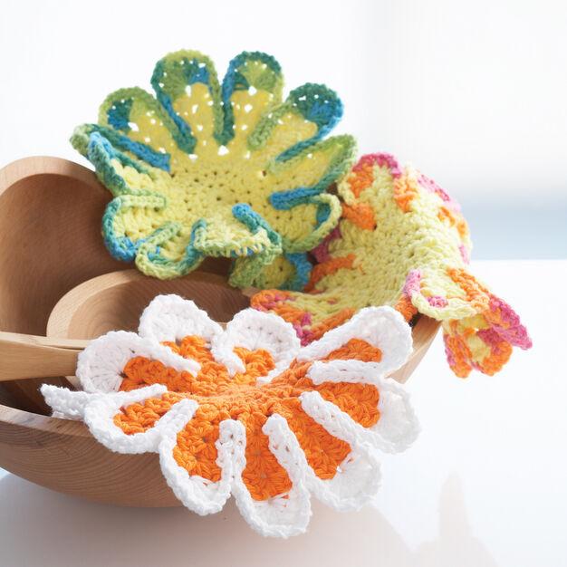 Lily Sugar'n Cream Chrysanthemum Dishcloth