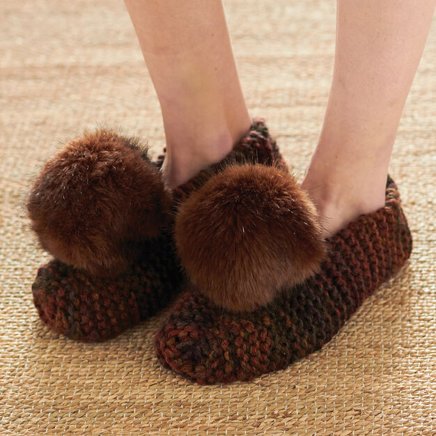 Patons Basic Chunky Slippers, S in color