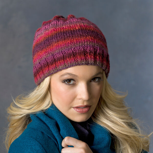 Red Heart Daydream Hat in color