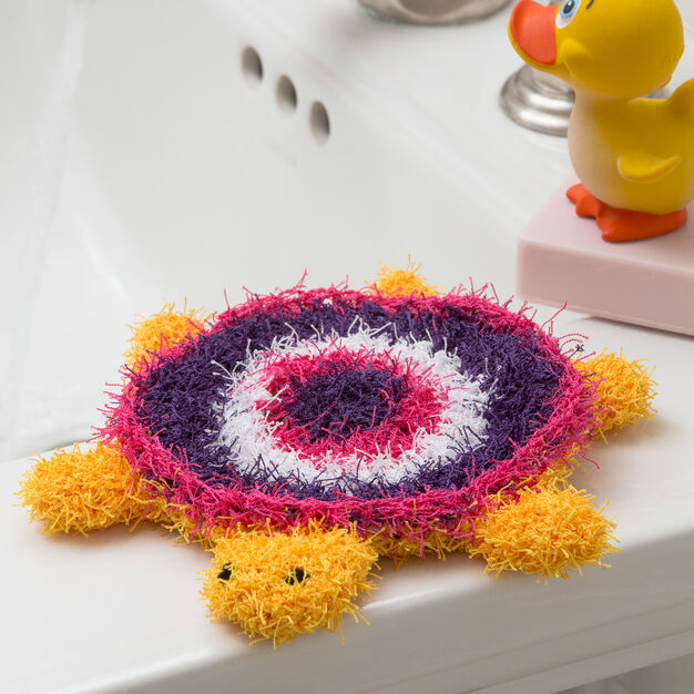 Red Heart Turtle Bath Scrubby in color