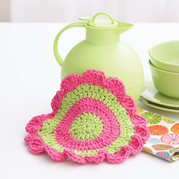 Bernat Daisy Wheel Dishcloth in color