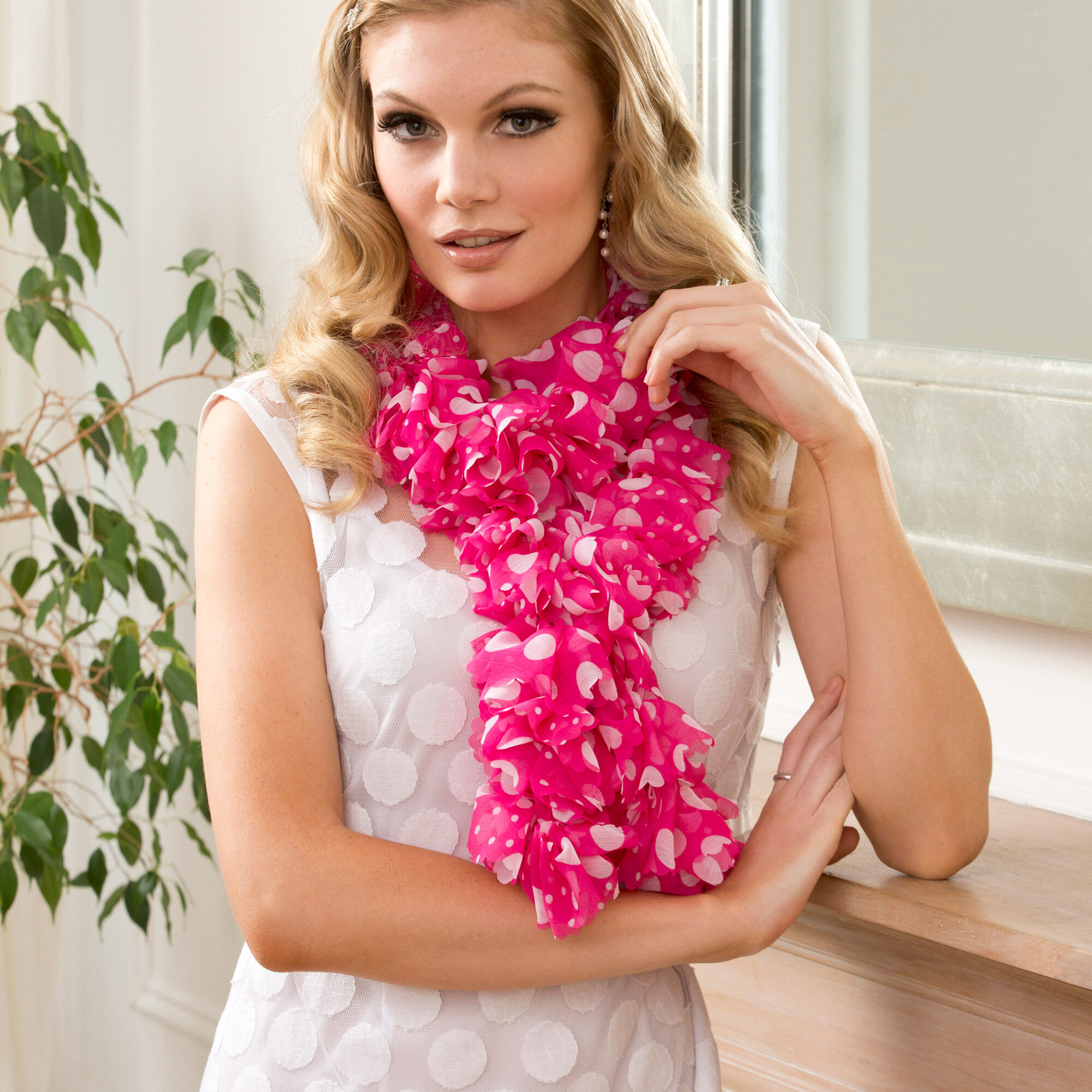 RED HEART SWEETHEART RUFFLE SCARF