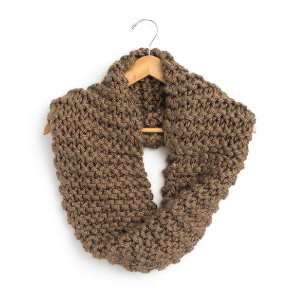 Free Pattern: Simple Garter Cowl in Bernat Mega Bulky yarn