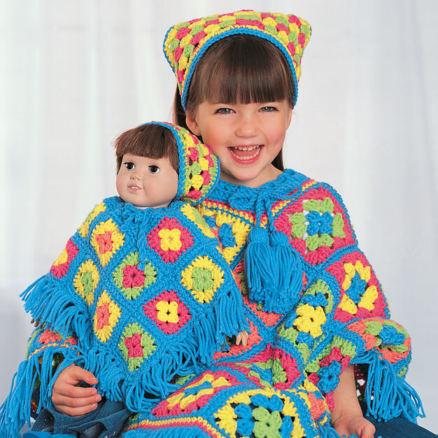 Bernat Poncho Set in color