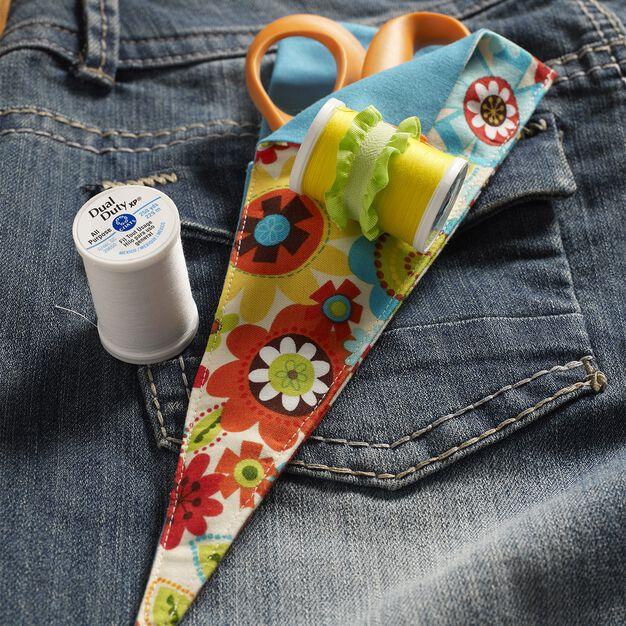 Coats & Clark Double-sided Scissor Case in color