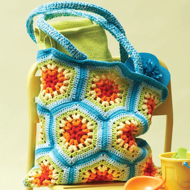 Lily Sugar 39 N Cream Rainbow Hexagon Beach Bag