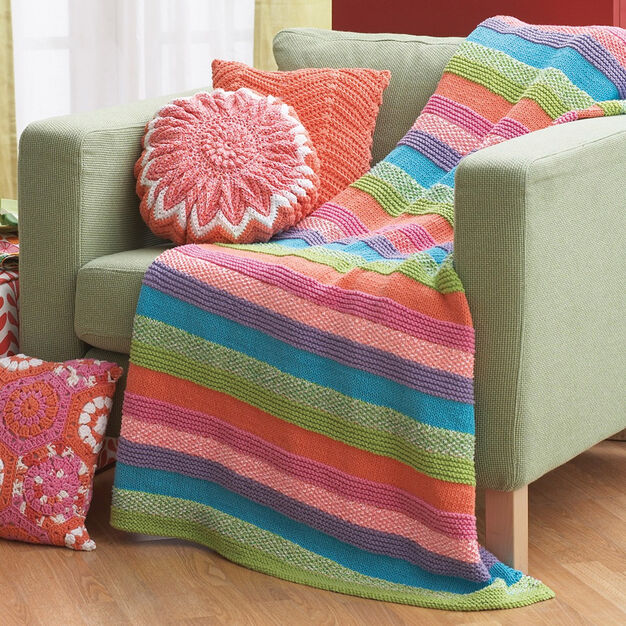 Lily Sugar 'n Cream Striped Blanket in color