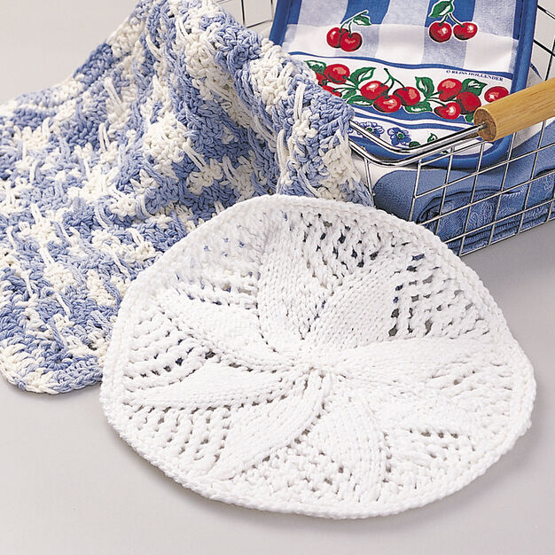 Lily Sugar'n Cream Lacy Dishcloth in color