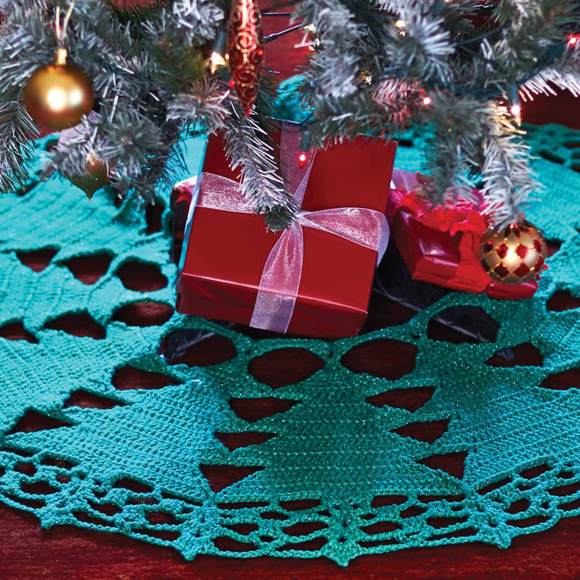 bernat christmas tree skirt bernat christmas tree skirt - Teal Christmas Tree Skirt