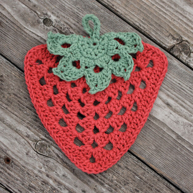 Lily Sugar'n Cream Granny Strawberry Dishcloth in color