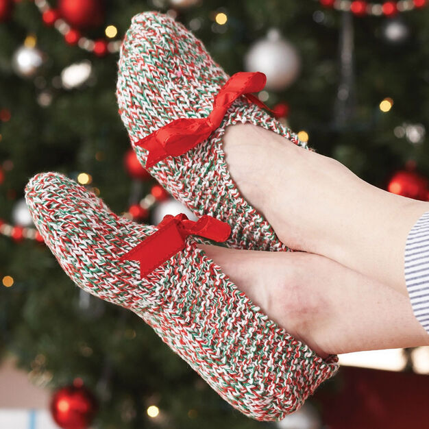 Bernat Holiday Slippers, Small 5/6