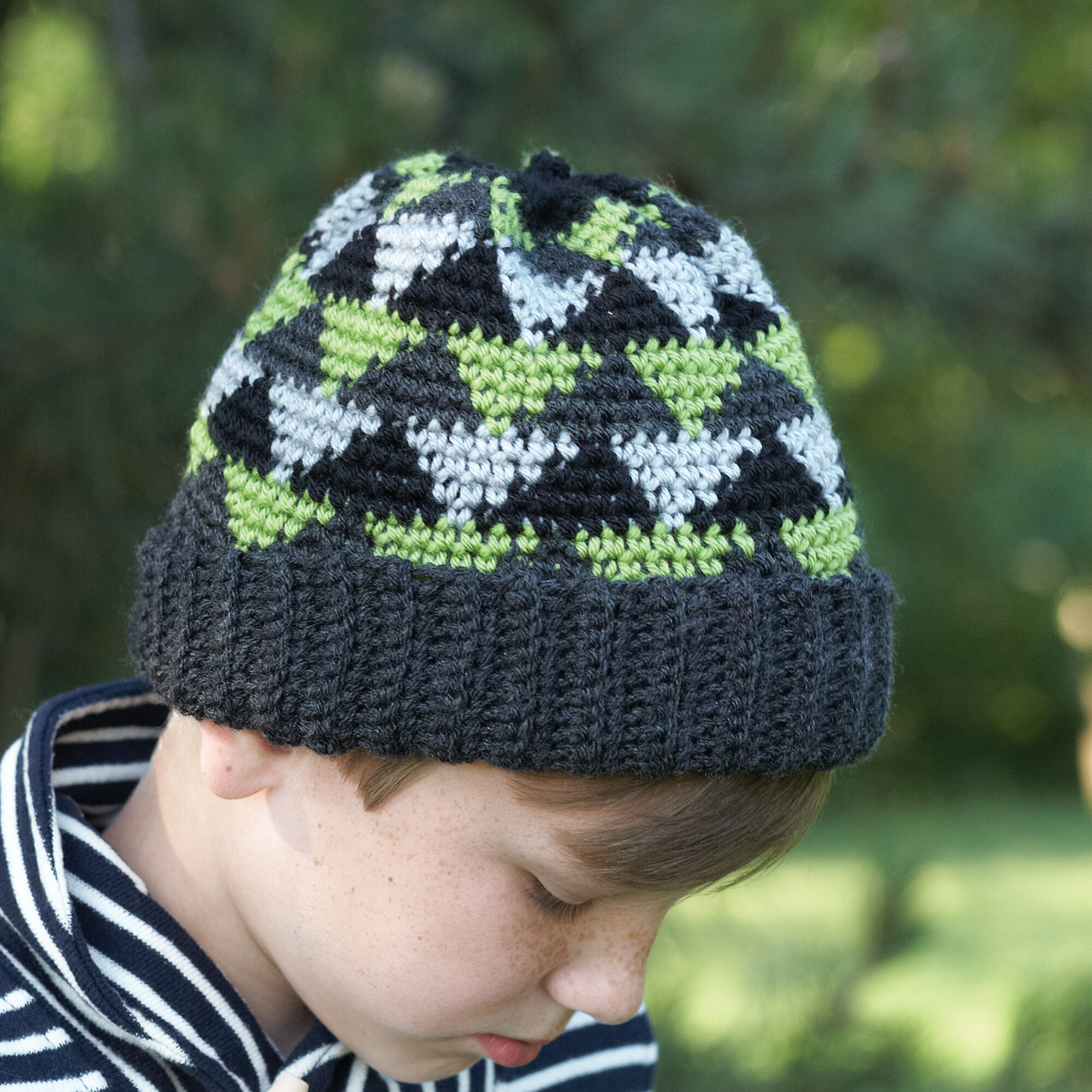 Patons Canadiana Crochet Navajo Boys Hat 4 6 Yrs Yarnspirations