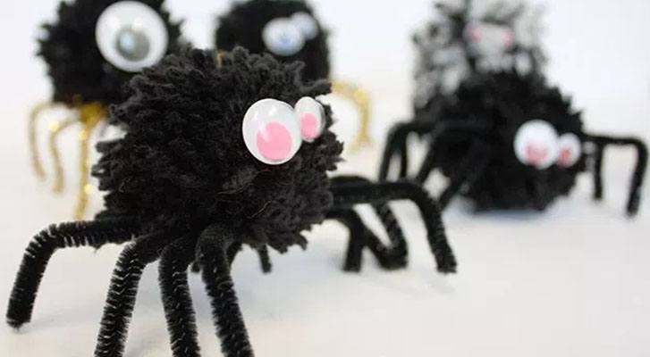 Make Halloween Yarn Spiders!