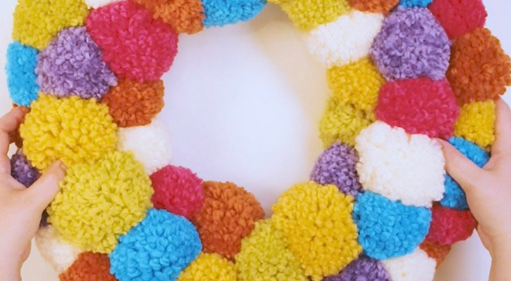 Make a Pompom Wreath For Your Home